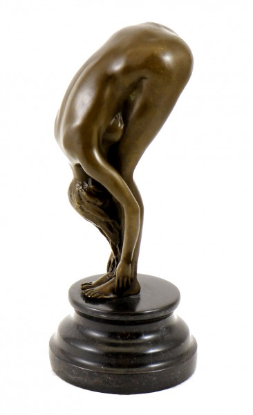 Bronze - A Bent-over woman on a marble pedestal, sign. Milo