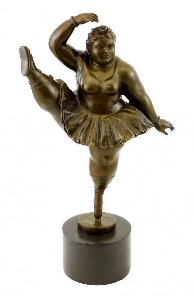 Bronze Figurine - Ballerina with leg up - sign. Fernando Botero