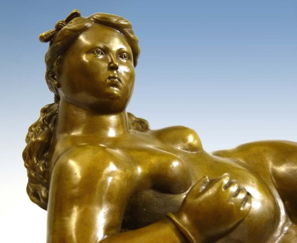 Bronze Act - Reclining woman with Apples - after Fernando Botero