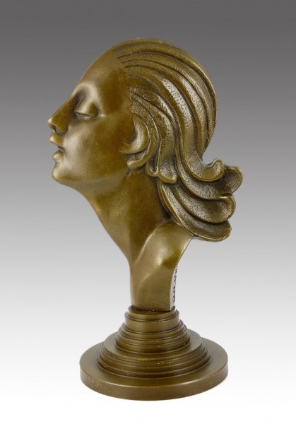 Beautiful Art Deco woman relief, signed by D. H. Chiparus