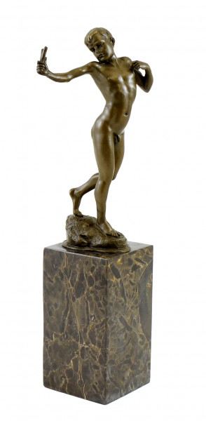 Small Male Nude Bronze - Boy with Catapult - signed Milo