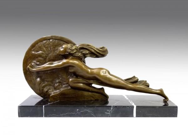 """Art Deco Bronze """"Towards Destiny"""" signed A.Gennarelli"""