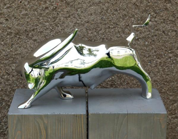 Chrome Bull - Sculpture - Bull Fight - by Martin Klein