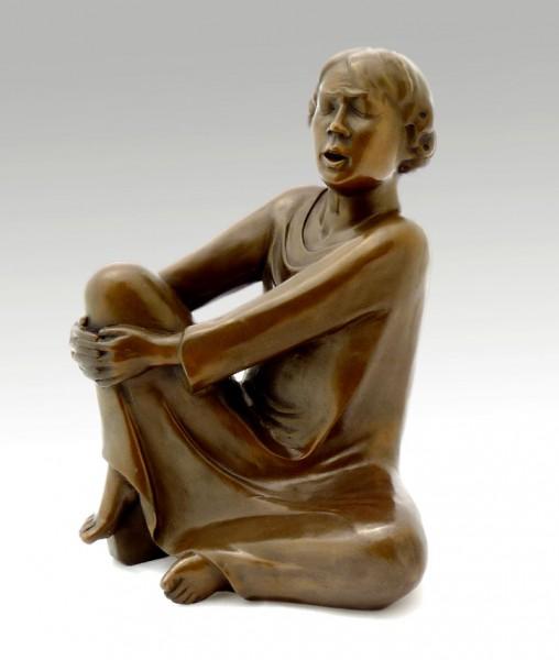 Modern Bronze - The Singing Man (1928) - Ernst Barlach