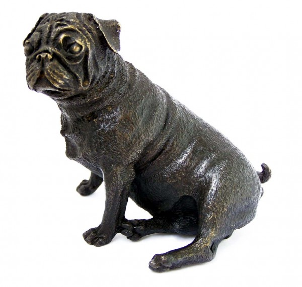 Little seated pug - bronze dog sculpture - vienna bronze