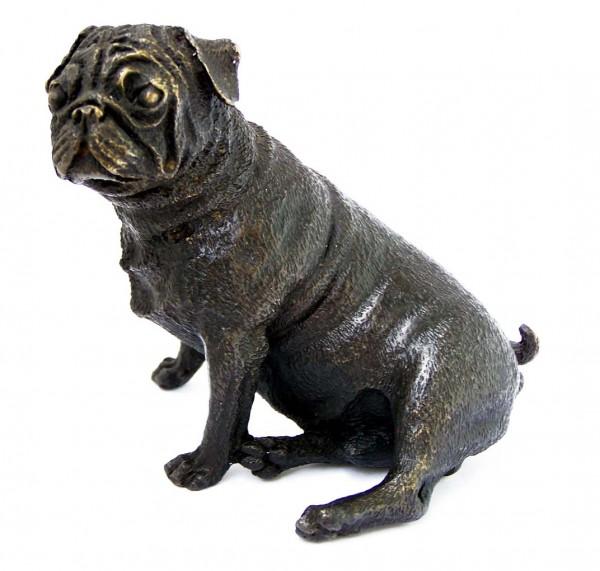 Little seated pug - bronze dog sculpture - vienna bronze