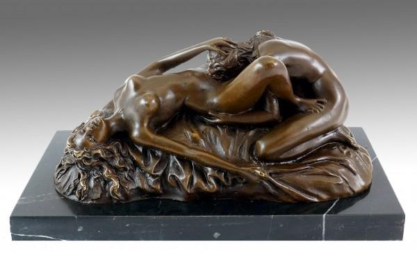 Erotic Vienna Bronze - Cunnilingus - Lesbian Play - Lambeaux